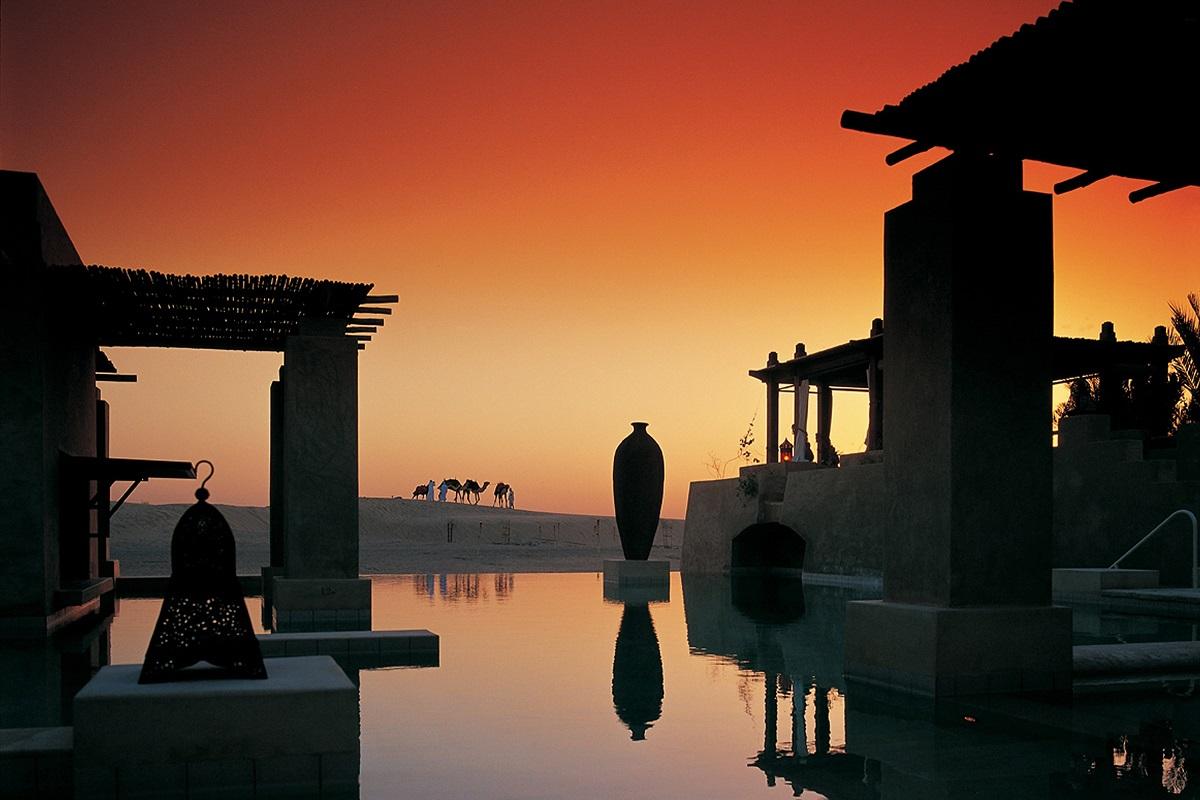 Bab Al Shams Desert Resort & Spa - Coucher de soleil à la piscine - Année du Chien
