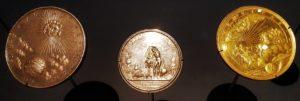 Pièces de monnaie - Le Monde En Sphères - Louvre Abu Dhabi