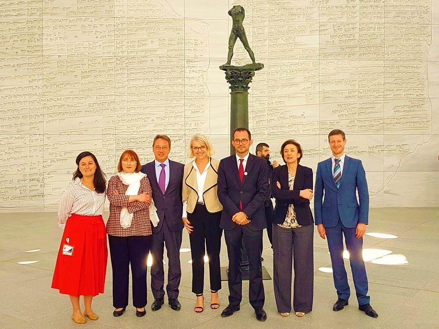 Conférence de Presse - Le Monde En Sphères - Louvre Abu Dhabi